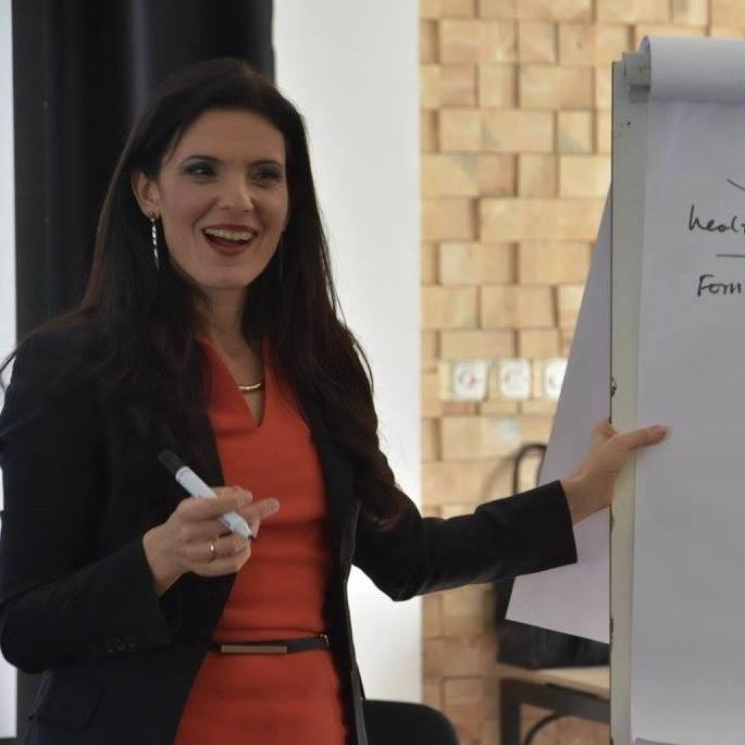 Катрин Прентис–Управяващ директор на Палитри Интернешънъл ООД, представител на Noble Manhattan Coaching за България, Гърция и южнобалкански регион